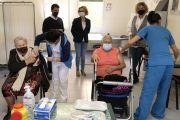 La UCI del Hospital Insular dona alimentos en San Bartolomé de Tirajana para las familias con menos recursos (2)